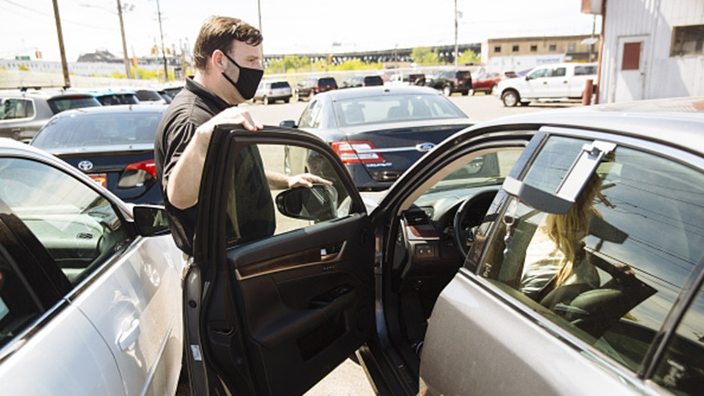 Bargain-conscious shoppers lift used-car sales in the coronavirus economy