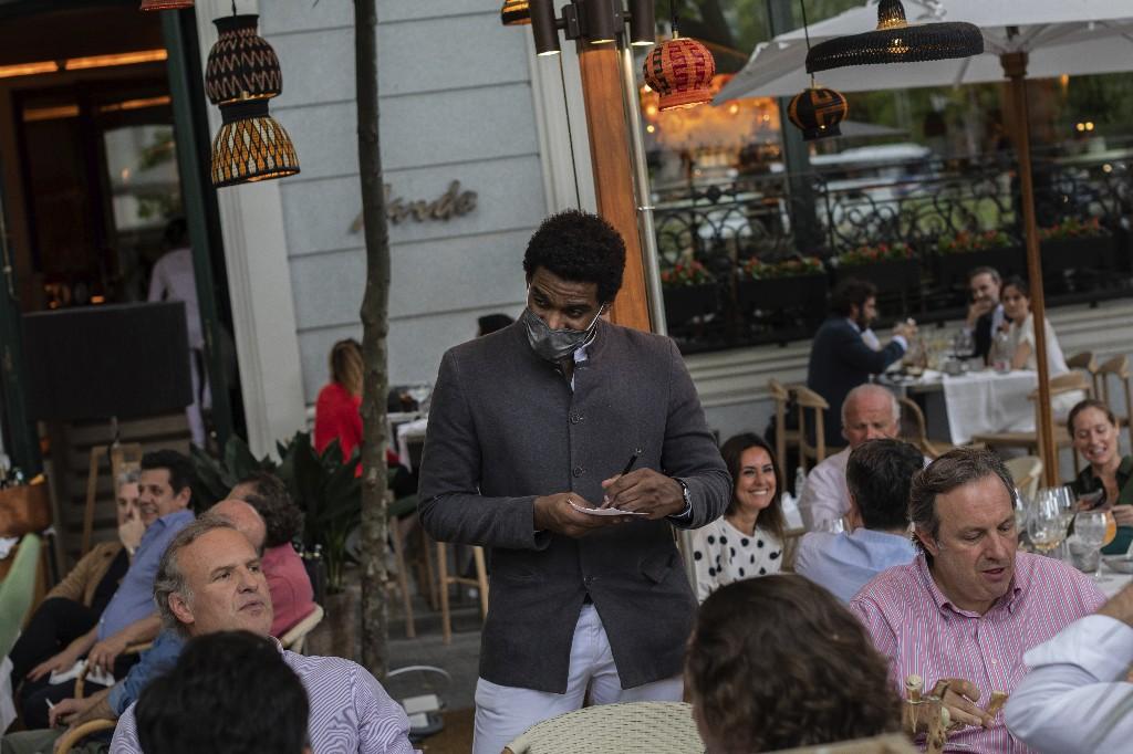 Coronavirus 'super-spreaders' named as restaurants, fast food and hotels: Study