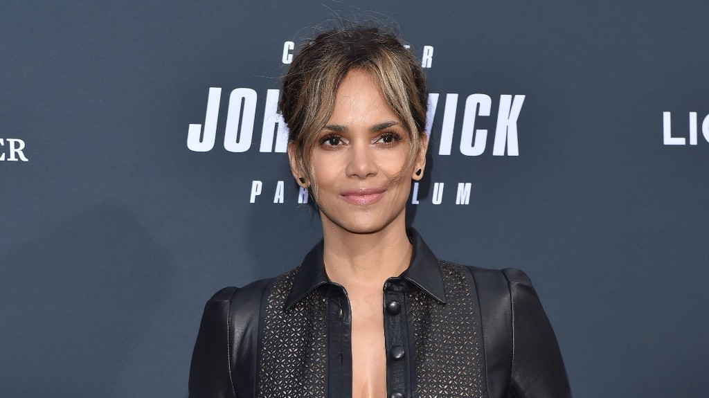 Halle Berry sizzles in beach bikini photo, gives off James Bond vibes