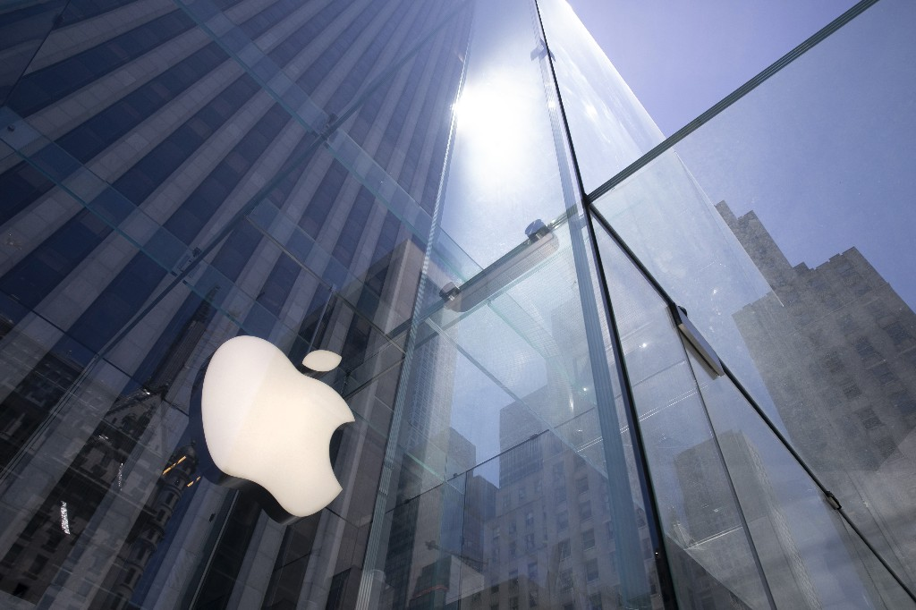Apple stock drop makes history with $179B loss
