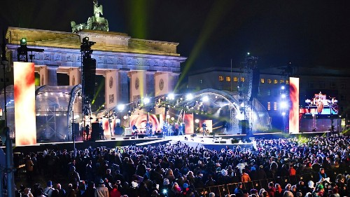 'Safe zone' for women aims to stop New Year's refugee sex attacks in Berlin