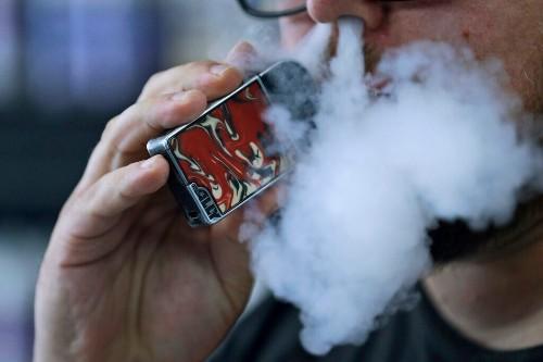 Oversight Committee urges FDA to ban e-cigarettes, vaping over coronavirus risks