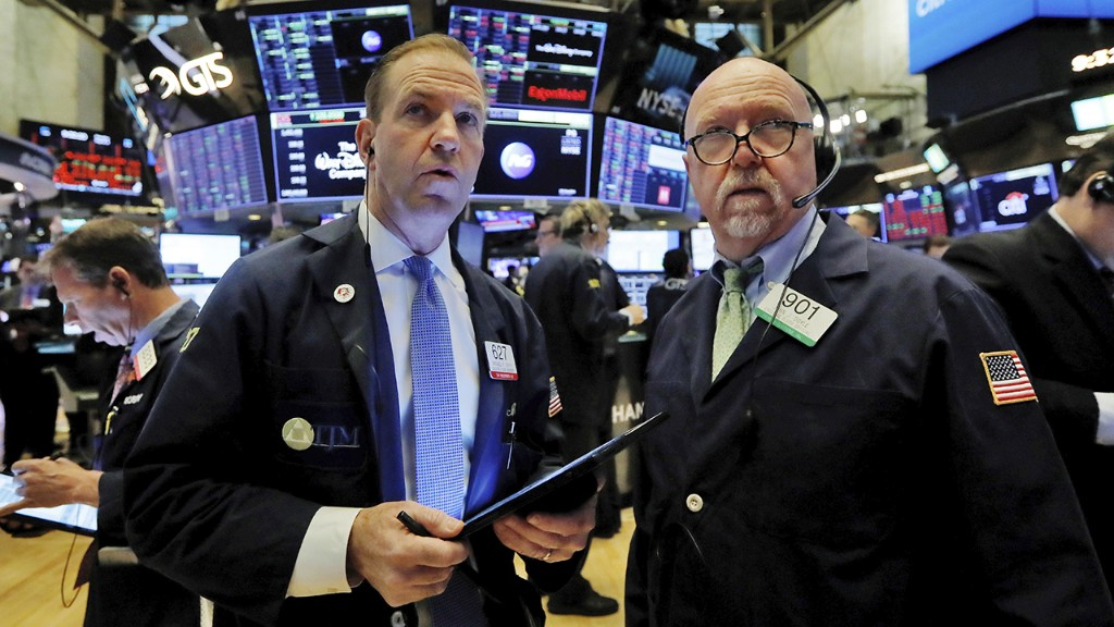 S&P nabs longest winning streak in over a year as jobs growth tops expectations