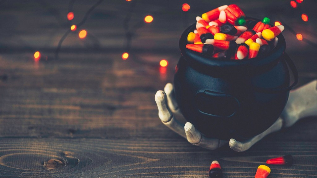 Texas man builds candy-shooting cannon and robot to keep trick-or-treating alive