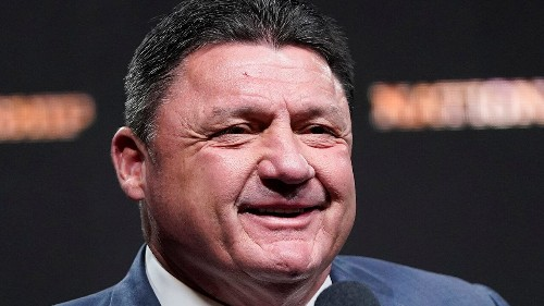 LSU's Ed Orgeron cut himself trying to get team pumped up for national championship