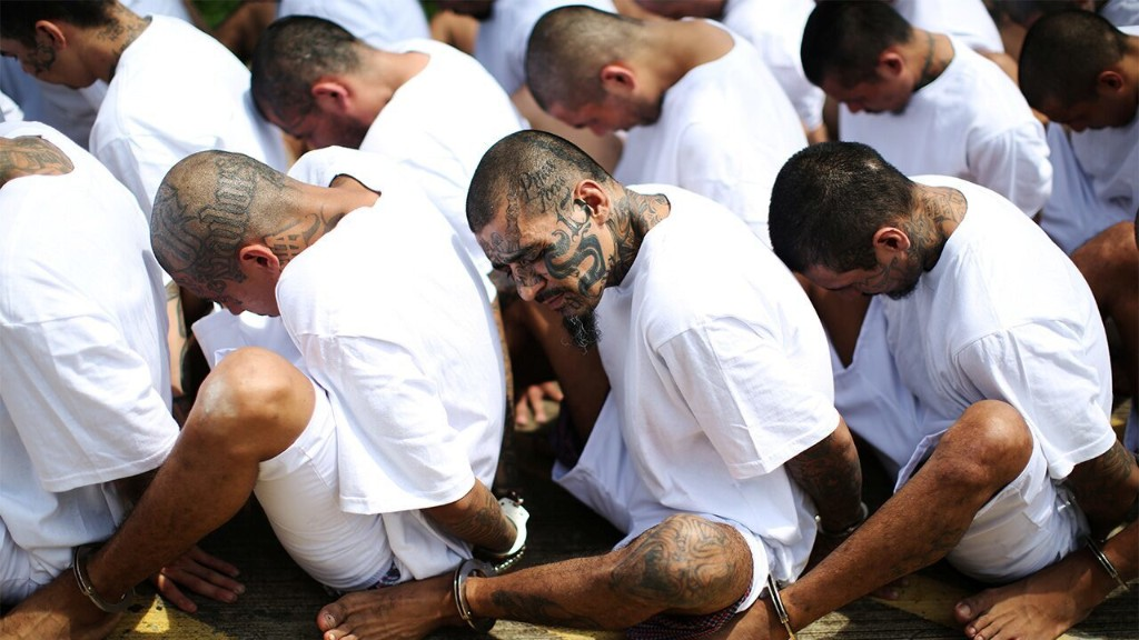 El Salvador gangs enforce coronavirus lockdown with threats of violence, report says
