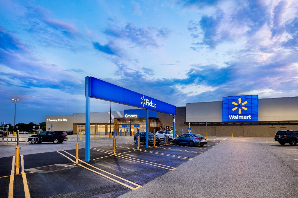 Walmart brings online shopping experience in stores with app-driven redesign