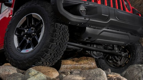 Cause of Jeep Wrangler 'death wobble' found, automaker says, promising free fix