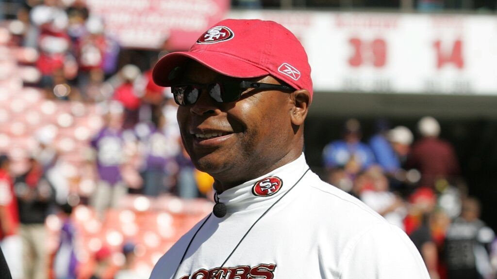 Mike Singletary resigned as coach for Texas high school after going 1-21 in two seasons