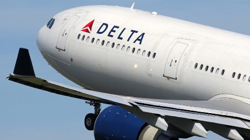 Delta passenger claims pilot hit on him mid-flight with Grindr