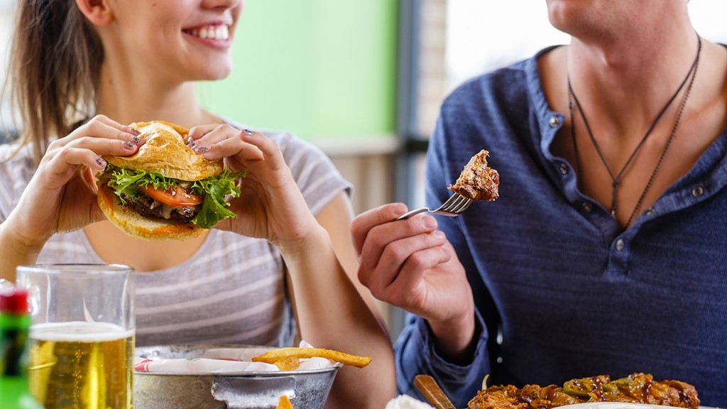 Coronavirus unemployment bump puts struggling restaurants in tough spot