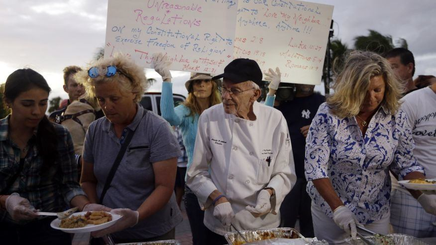 Florida man continues to feed homeless despite looming criminal charges