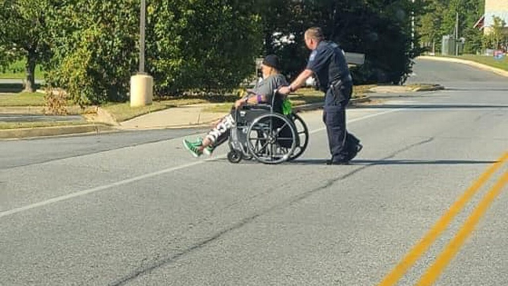 Maryland police officer praised for simple act of kindness, 'example of professionalism'