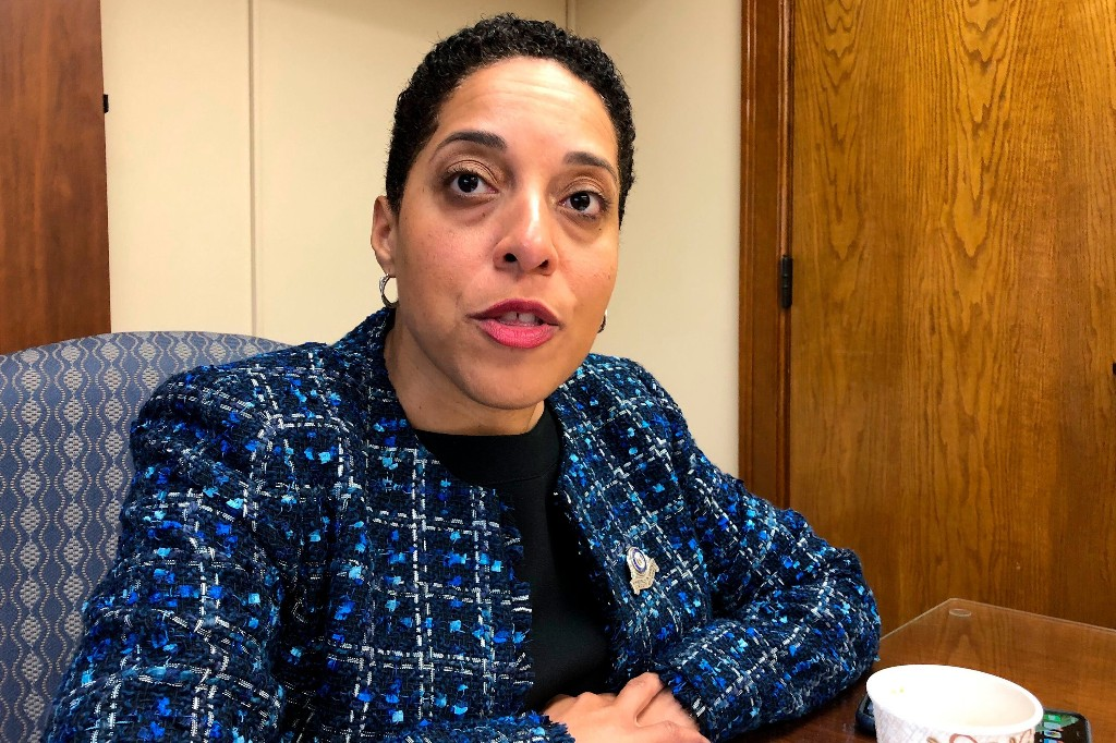 St. Louis prosecutor who charged couple for displaying weapons wins Democratic primary