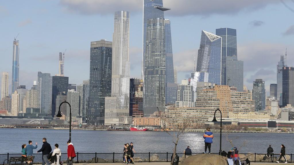 New Yorkers fleeing coronavirus hotspot need to self-isolate, White House says