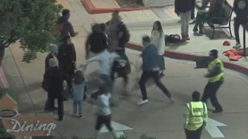 Off-duty California police officer attacked by teens after helping woman who said phone was stolen