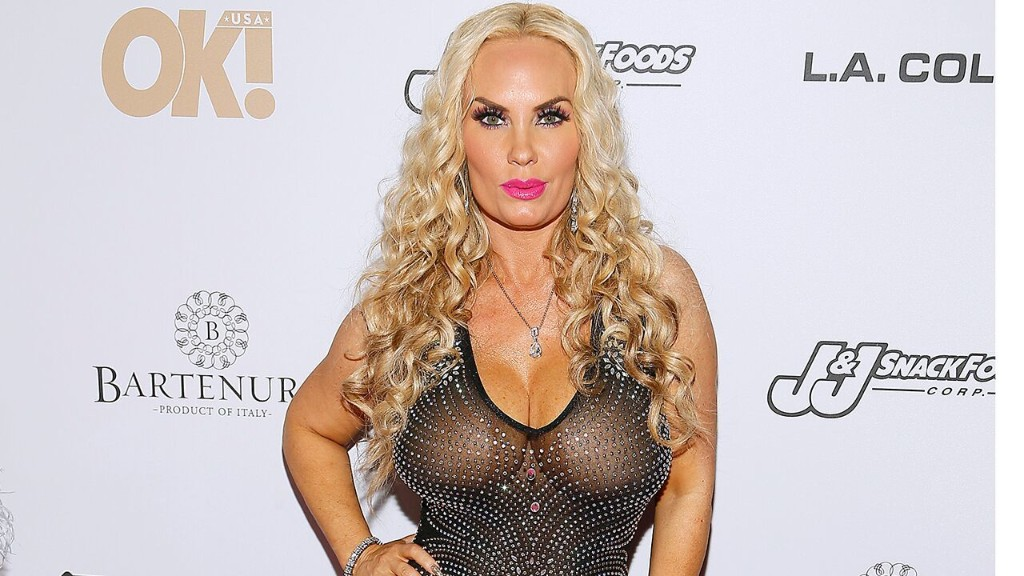 Coco Austin and daughter Chanel wear matching bikinis for adorable poolside photoshoot: 'Arizona girls'