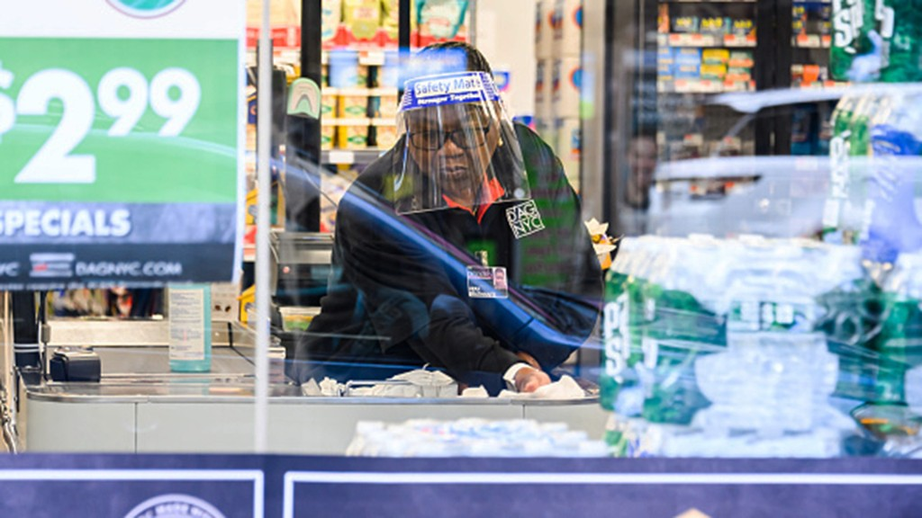 NYC grocers struggle to hire while workers bank on unemployment claims