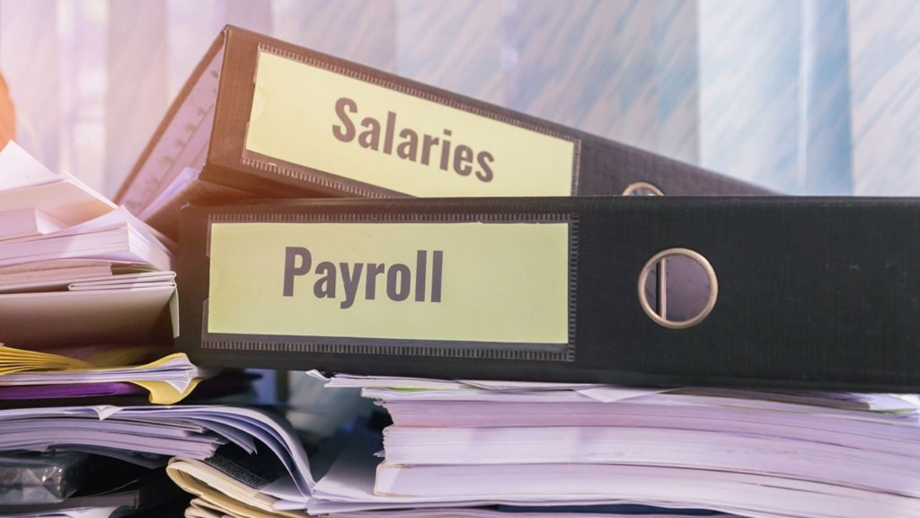 What is the average American salary?