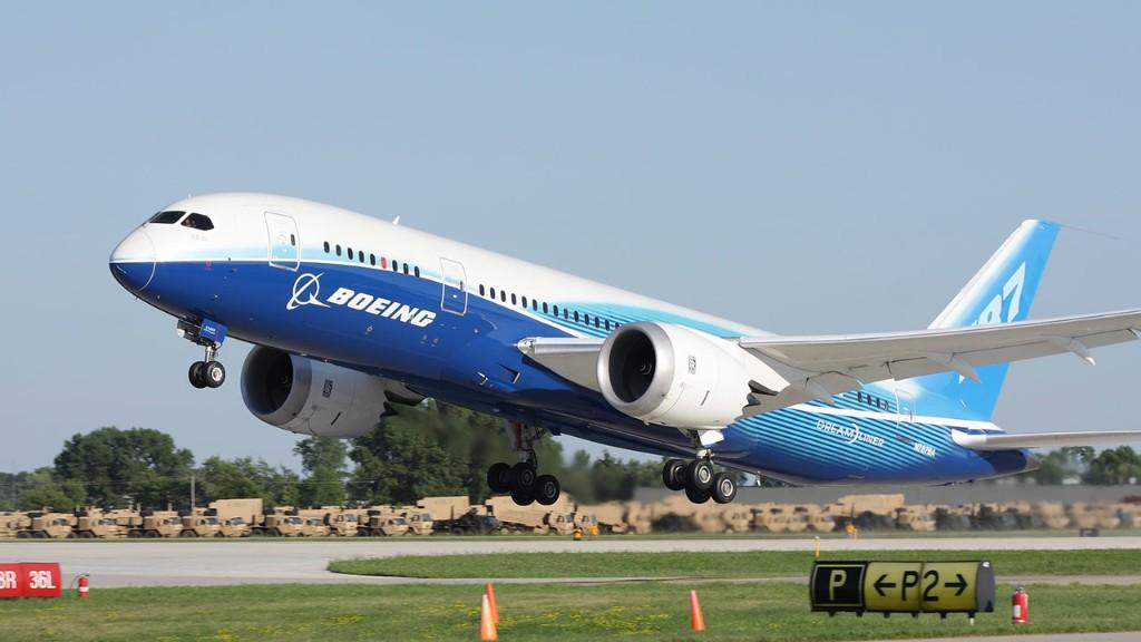 Boeing warns of job cuts as coronavirus spurs 4th straight quarterly loss