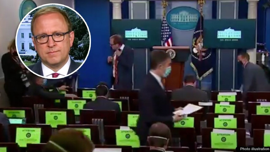ABC's Jonathan Karl slammed as 'hypocrite' for taking off mask at White House press event