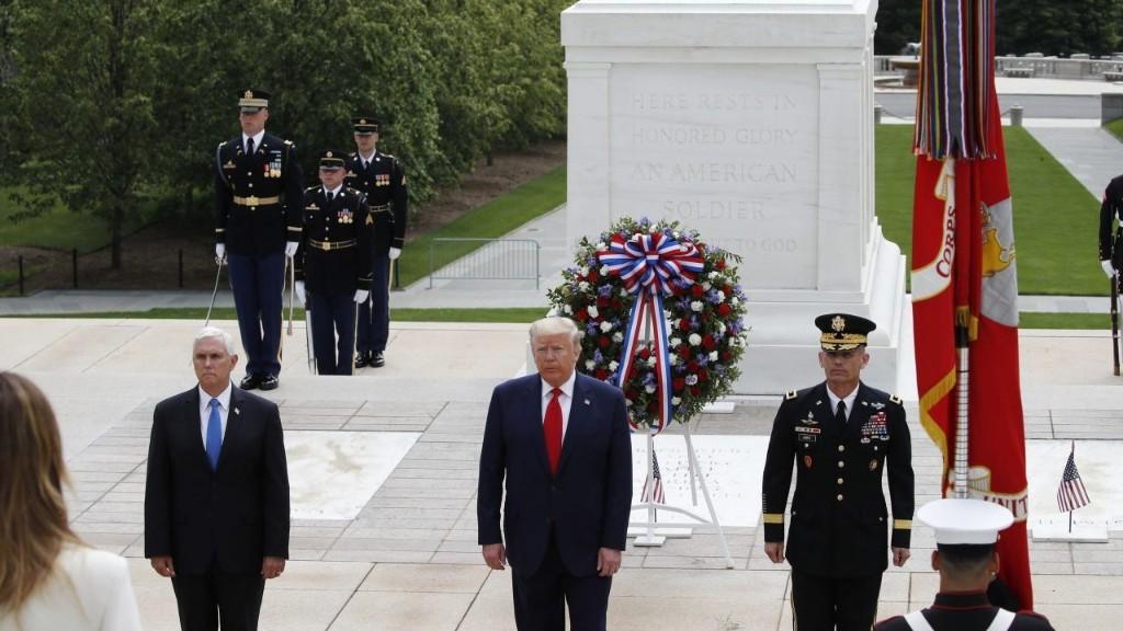 Trump commemorates Memorial Day at Arlington National Cemetery