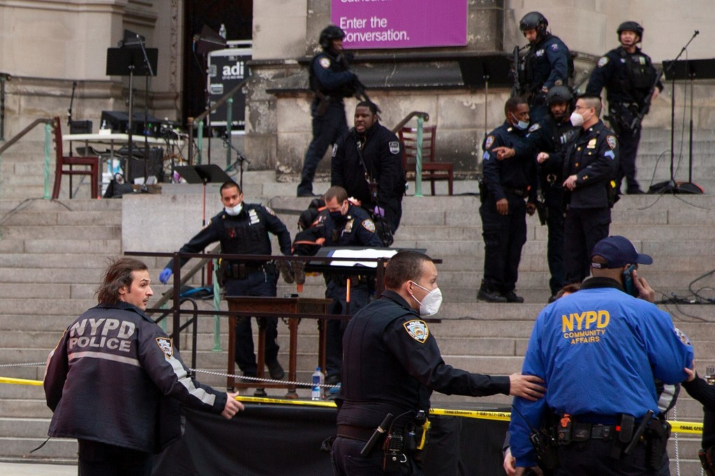 Shocking video emerges from NYC cathedral shooting