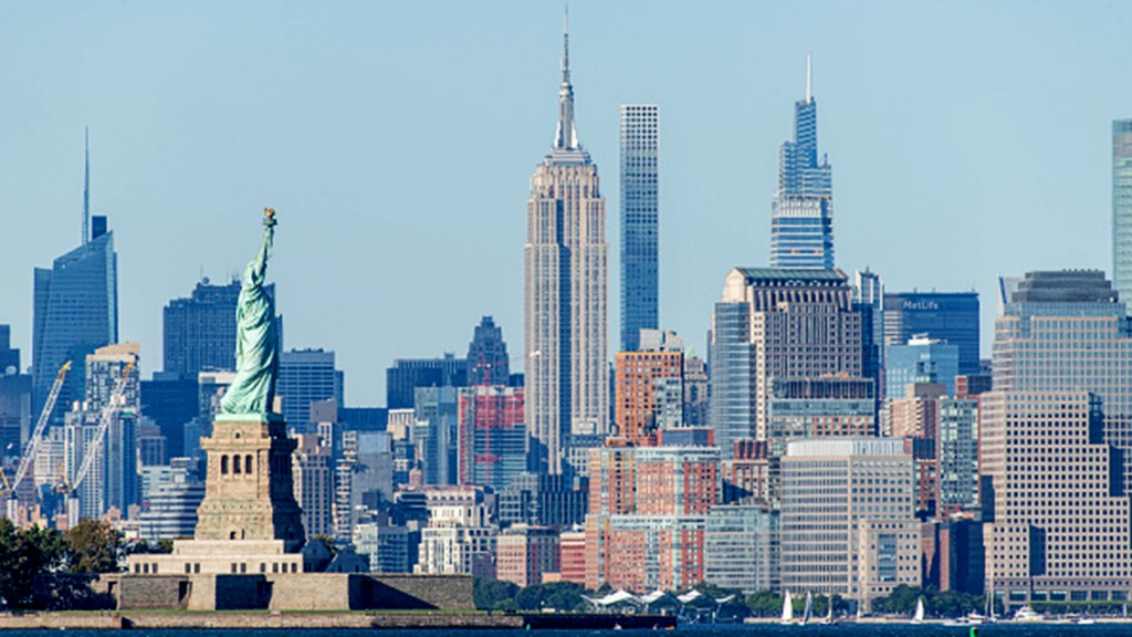 New Yorkers flee city in droves amid coronavirus, crime concerns: report