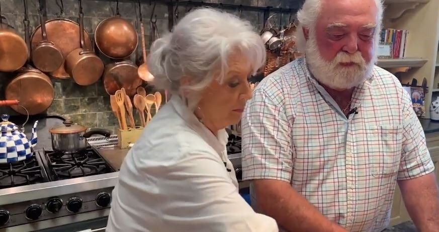 Paula Deen cooks up ribs for Labor Day in special episode of 'At Home'