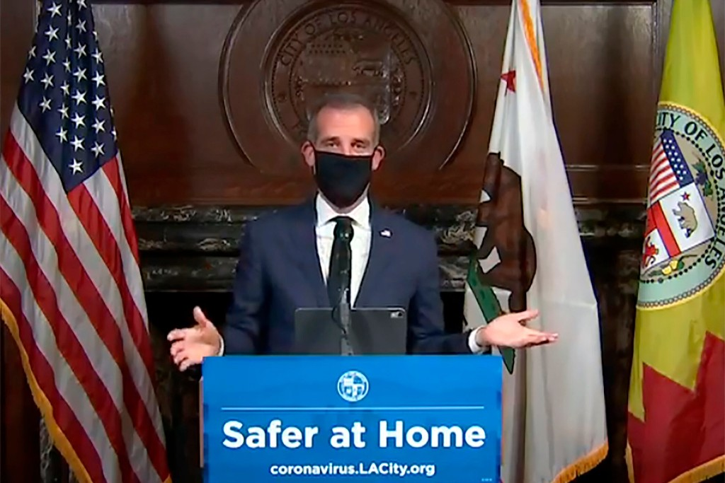 Los Angeles braces itself for more coronavirus deaths, asks residents not to go out shopping
