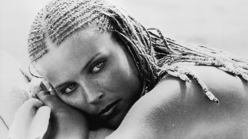 Bo Derek reflects on giving back to American veterans: 'There's just so much we don't do for our heroes'