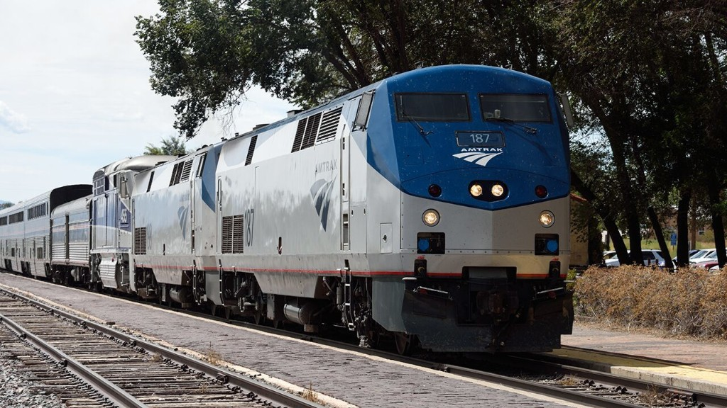 Amtrak to require face masks of all passengers