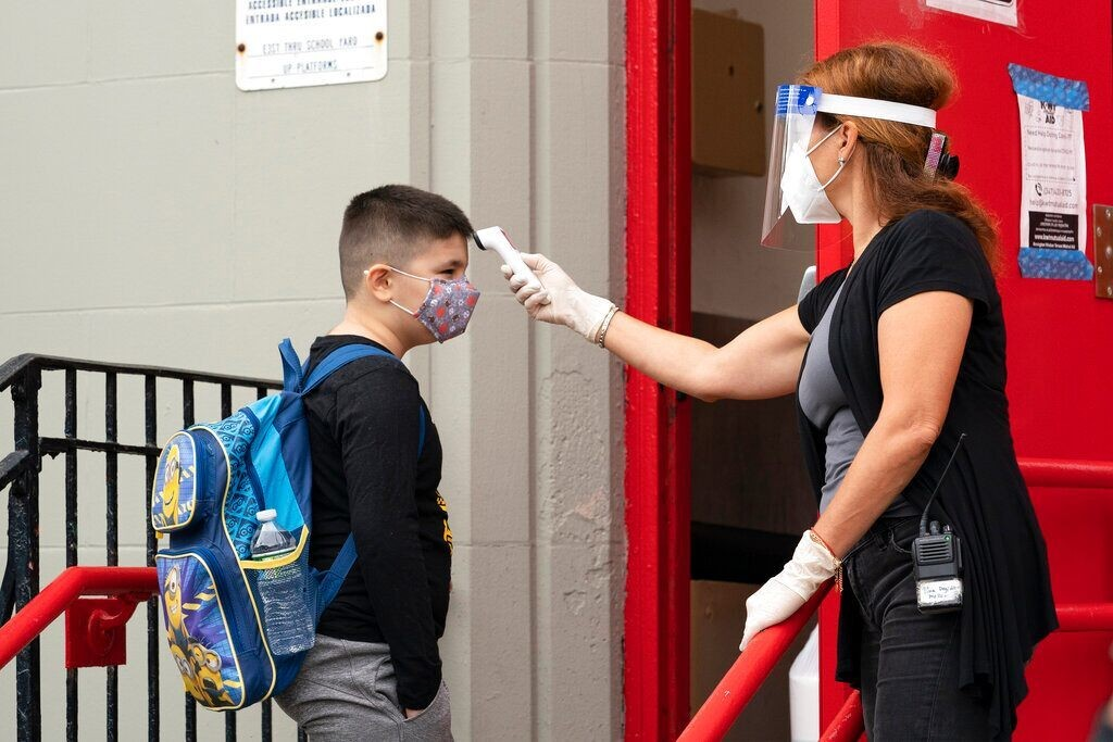 NYC's rising coronavirus infections prompt new fine, school-closure threat