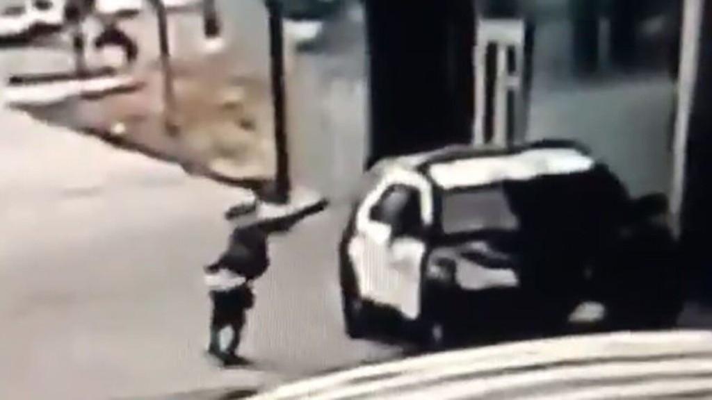 LA police offer $100G reward for info on gunman who ambushed 2 sheriff's deputies