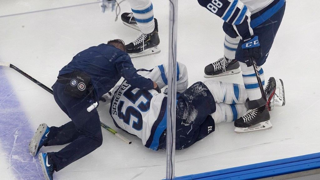 Winnipeg Jets coach takes issue with hit on star Mark Scheifele: 'It was a filthy, dirty kick to the back of the leg'
