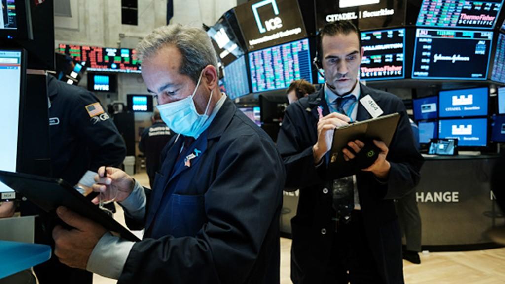 Nasdaq clears 11,000 as Apple nears $2T market value