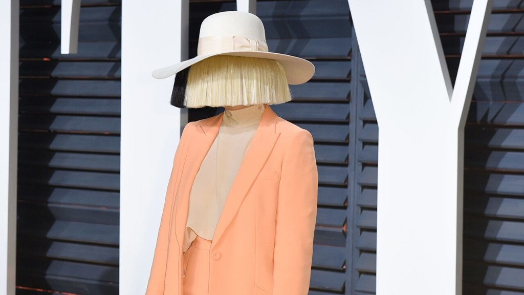 Sia claims she stopped her dancer Maddie Ziegler from getting on a plane with Harvey Weinstein