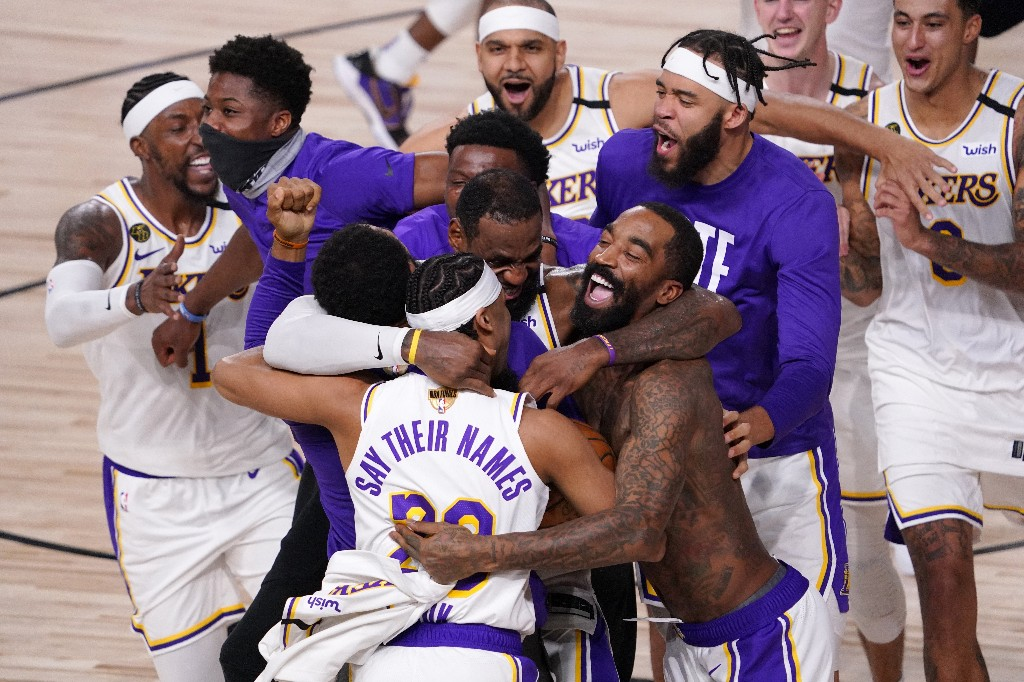Lakers dominate Heat, capture 17th NBA title