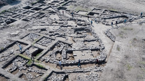 Ancient 'New York' discovered in Israel as archaeologists uncover lost Bronze Age city