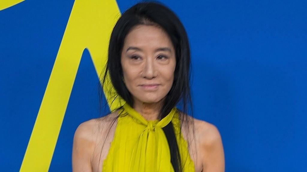 Vera Wang flaunts incredible figure in sports bra and leggings ahead of 71st birthday