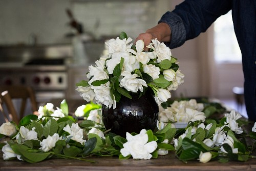 Mother's Day: Her Favorite Flowers Delivered to the Door