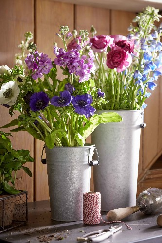 5 Favorites: French Flower Buckets