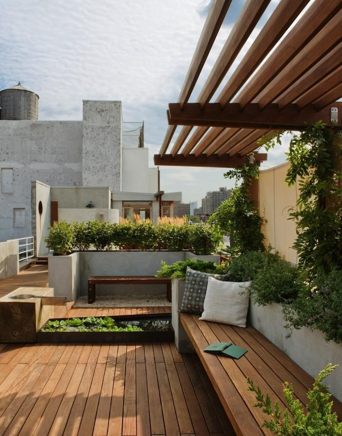 A Manhattan Roof Garden with a Panoramic View - Gardenista