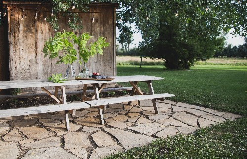 Landscaping Ideas: A DIY Flagstone Terrace for $500