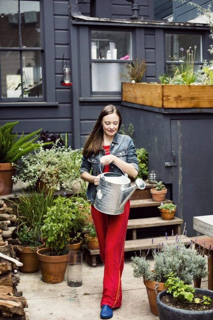 Backyard Gardening - Magazine cover