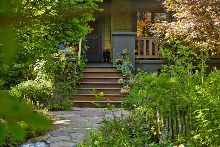 Garden Visit: The Hobbit Land Next Door - Gardenista