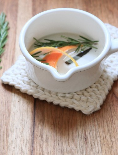 DIY: A Potent Potpourri With Grapefruit, Rosemary, and Vanilla
