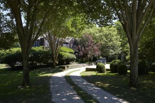 Hardscaping 101: Ribbon Driveways - Gardenista