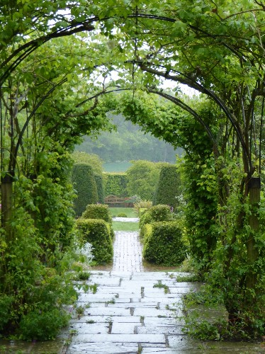 Long Barn: Vita Sackville-West's Starter Garden