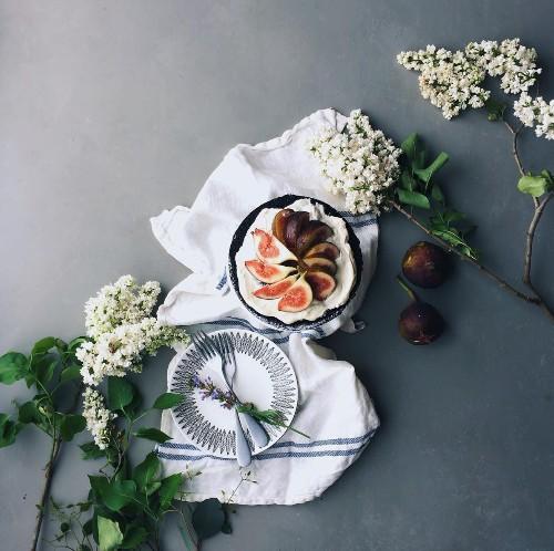 Studio Visit: Quiet, Moody Flower Studies by Yukiko Masuda